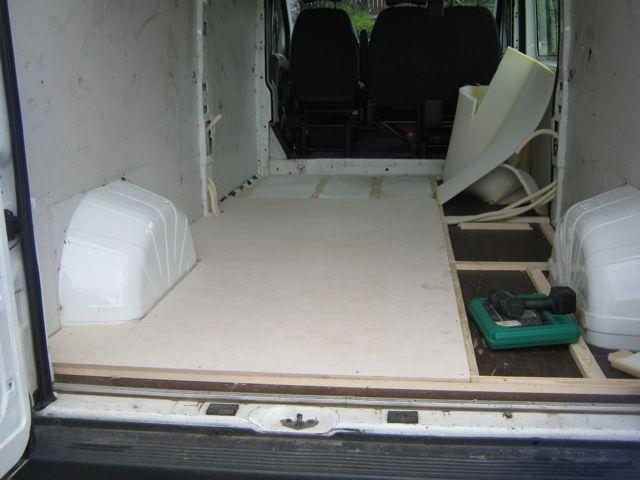 Bodenplatte und -isolierung
